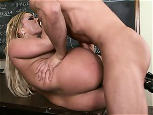 blonde Shyla Stylez is impatient for a stream of spunk after a drilling