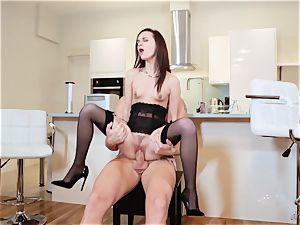 Lea Guerlin cooter thrashed and creamed on her nice labia