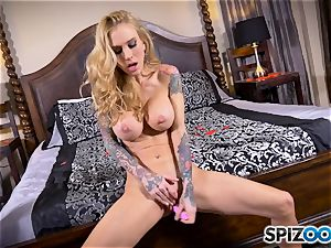 tatted skinny blond Sarah Jessie messes with her cunt