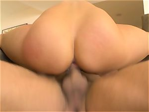 Lea Lexus enjoys to perceive a fat man meat in her booty