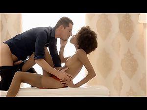 THE white BOXXX - sensual lovemaking with super-fucking-hot latin babe
