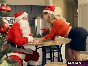 Santa's insatiable Helpers In Christmas 3 way S9:E7