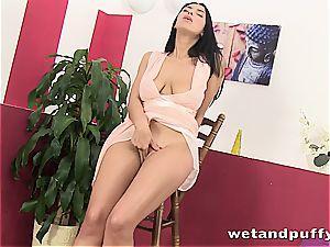 gorgeous Kira princess uses her contraptions to masturbate